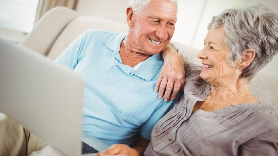 Couple using online consultations